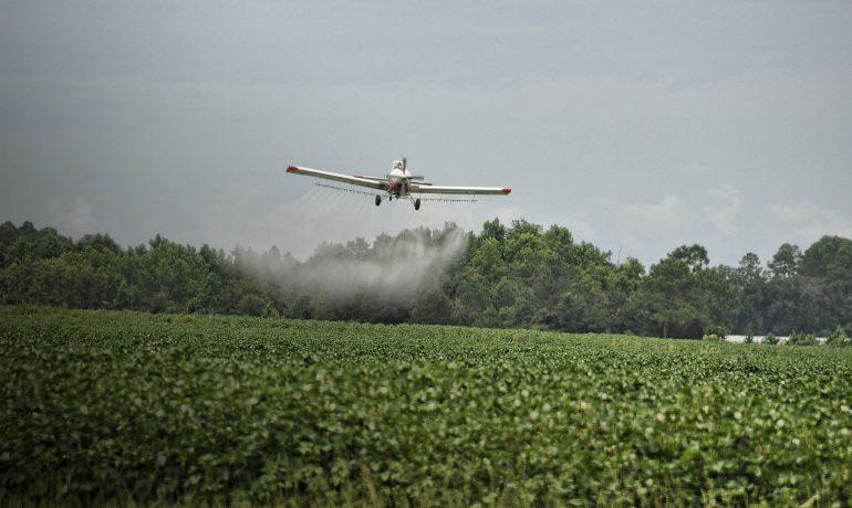 Пестицид що не шкодить комахам